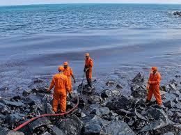 how hairs can help clean oil spills